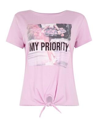 19719eb7531503 Günstige T-Shirts für Damen  trendig   bequem - Takko Fashion